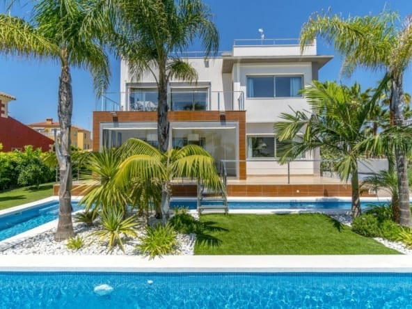 Luxury Villa in La Zenia